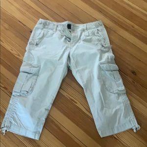 Gap khaki capris size 10